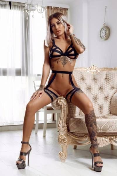 Paola Escort London